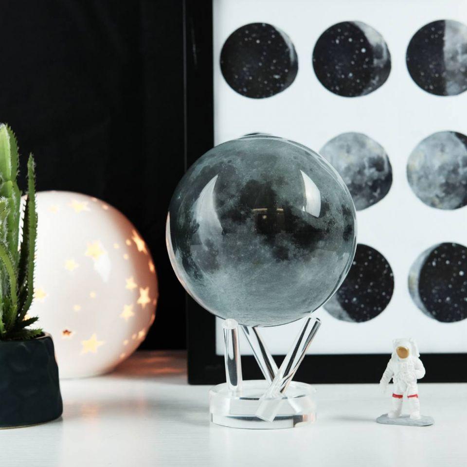 globe la lune mova